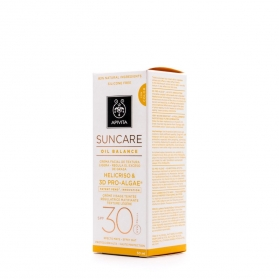Apivita crema solar facial reguladora de exceso de grasa con color SPF30 50ml