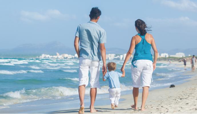 ¿Qué llevar a la playa cuando vas con niños?